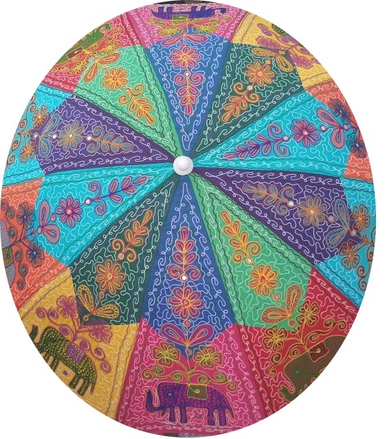 Sfeervolle parasol voor in de tuin of voor op het strand.